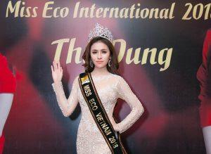 Thực hư chuyện NTK Việt tố Á hậu Thư Dung thuê váy quỵt tiền