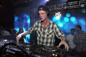 DJ nổi tiếng Avicii bất ngờ qua đời ở tuổi 28