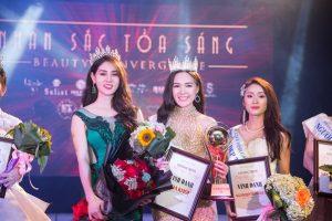 Người đẹp Hà Thành đăng quang danh hiệu cao quý 'nhan sắc tỏa sáng' trong cuộc thi hoa khôi nhan sắc Việt Nam 2018