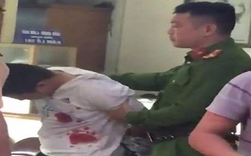 Hà Nội: Bắt nghi phạm dùng súng cướp tiệm vàng trong đêm