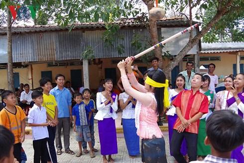 Đồng bào Khmer Nam bộ đón Tết Chôl Chnăm Thmây sum vầy, sung túc 
