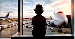 Cậu bé 12 tuổi trốn mẹ đi du lịch tới Indonesia