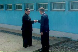 Kim Jong Un viết lưu bút: 'Một lịch sử mới bắt đầu'