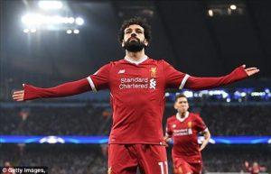 Salah bày tỏ tình yêu với Roma trước đại chiến