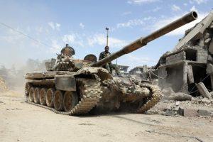 Các lực lượng Syria tiến vào thị trấn Douma sau vụ không kích