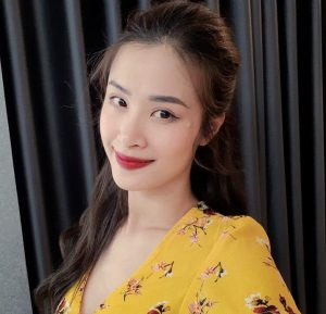 Mỹ nhân Việt đồng loạt diện bikini khoe đường cong nóng bóng