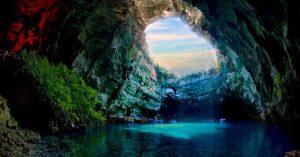 Khám phá hang Sơn Đoòng – Hang động lớn nhất thế giới