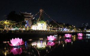 Thả hồn vào kênh Nhiêu Lộc – Thị Nghè đẹp lung linh mùa Phật Đản