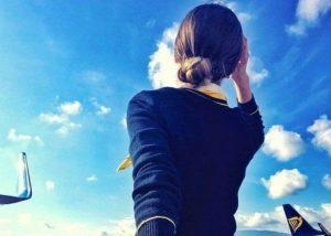 Nỗi đau sâu thẳm sau hôn nhân của nữ tiếp viên xinh đẹp