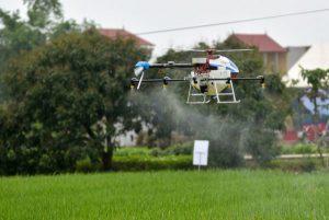 Phun thuốc trừ sâu bằng máy bay không người lái, giấc mơ có thật tại Việt Nam