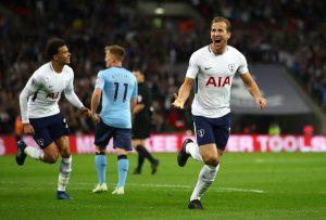 Chelsea vùng vẫy trong tuyệt vọng, Tottenham thoát cửa tử