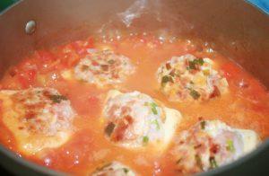 Cách làm đậu nhồi thịt sốt cà chua siêu nhanh mà ngon cơm