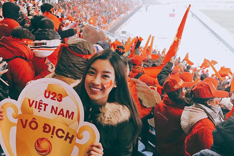 Đỗ Mỹ Linh – hoa hậu cuồng bóng đá nhất showbiz Việt