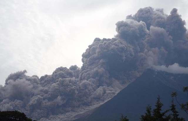 Hiện trường 'cơn cuồng nộ' núi lửa phun trào ở Guatemala