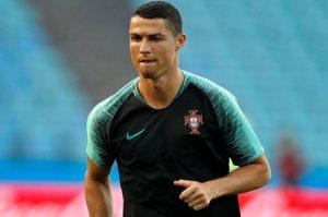 Trốn thuế, Ronaldo tiếp tục đối mặt án phạt 2 năm tù
