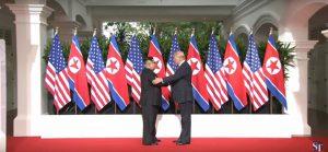 Tổng thống Mỹ và nhà lãnh đạo Triều Tiên bắt đầu họp thượng đỉnh