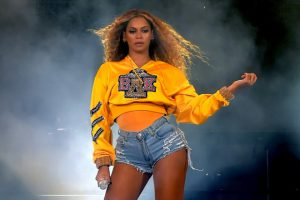 Beyoncé ra mắt bộ sưu tập gây quỹ ủng hộ cho ngành giáo dục