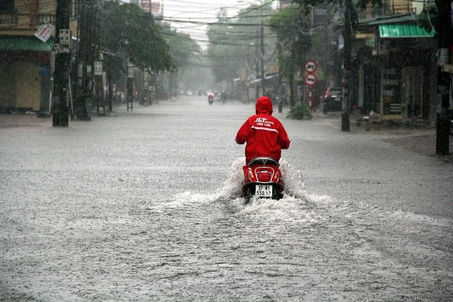 Bộ Công an chỉ đạo lập các phương án ứng phó bão Sơn Tinh