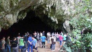 Đội bóng nhí Thái Lan có thể phải ở trong hang thêm… 4 tháng