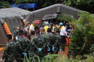 Ngày đầu giải cứu đội bóng Thái Lan thành công ngoài mong đợi