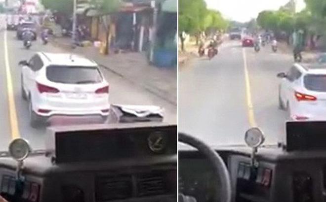 Tước bằng lái 2 tháng đối với tài xế cản đường xe cứu hỏa
