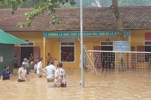 Nghệ An: Hàng nghìn học sinh chưa thể tựu trường vì lũ lụt