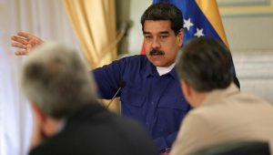 Venezuela: 1 USD có thể mua được 5 triệu lít xăng