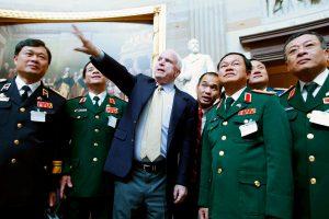 Người bạn lớn của Việt Nam – Thượng nghị sĩ John McCain qua đời