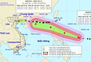 Siêu bão Mangkhut tăng tốc về Biển Đông
