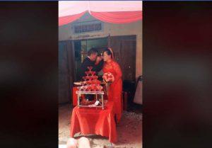 Quảng Ngãi: Cô dâu 64 tuổi e thẹn bên chú rể 75 tuổi