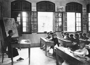 Ký ức xúc động về buổi học đầu tiên 100 năm trước