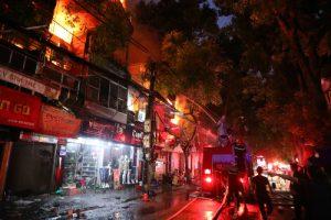 Bố trí nơi ở, cấp nhu yếu phẩm cho nạn nhân vụ cháy gần BV Nhi Trung Ương