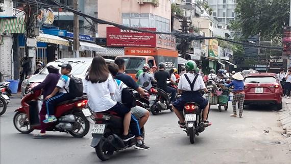 Giới trẻ vẫn thờ ơ với mũ bảo hiểm
