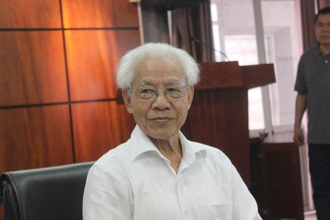 GS Hồ Ngọc Đại: 'Kỳ 1 của lớp GS Ngô Bảo Châu không học chữ mà chỉ học hình vuông, tròn'