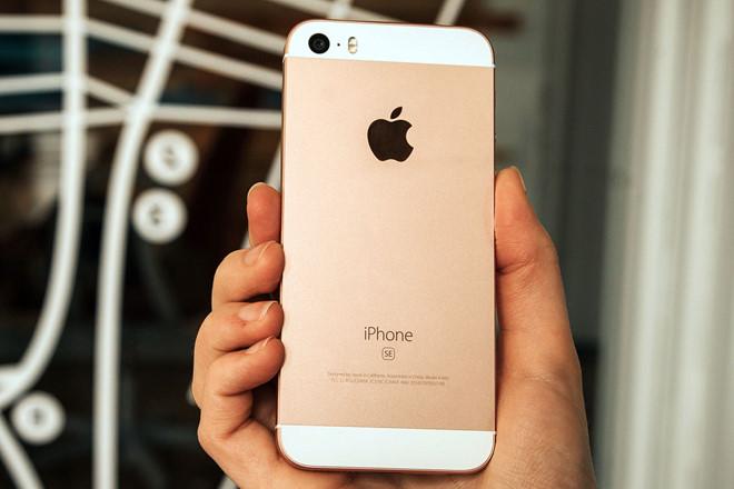 """iPhone SE chính thức bị """"khai tử"""""""