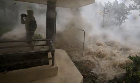 Siêu bão Mangkhut tàn phá Trung Quốc dữ dội như thế nào?