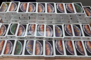 Thu giữ hàng trăm chiếc iPhone nhập lậu trị giá khoảng 6,5 tỷ đồng