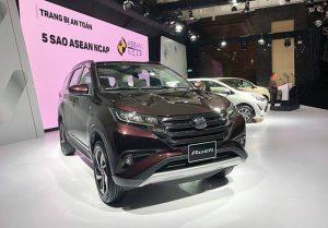 Bộ 3 ô tô giá rẻ của Toyota chính thức ra mắt