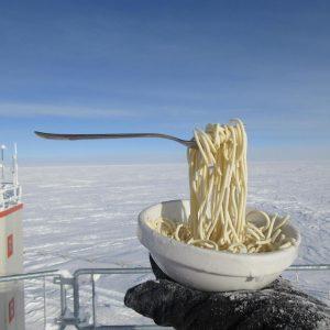 Hiện tượng kỳ lạ khi nấu ăn ở Nam Cực?