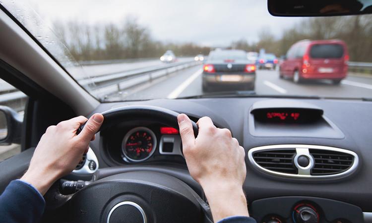 Những hành động cần tránh sau khi ngồi lên ô tô