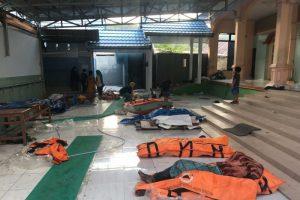 Sóng thần khiến 1.200 người chết ở Indonesia: Cả ngôi làng bị xóa sổ