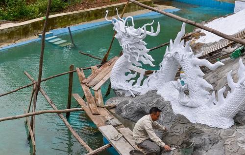 """Chiêm ngưỡng khu sinh thái """"kiên cố"""" ở Sóc Sơn được lãnh đạo xã gọi là """"nhà tạm"""""""