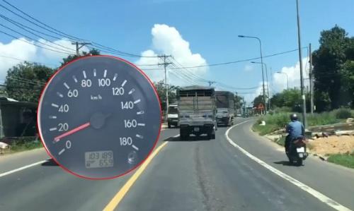 """Cần xử phạt ôtô cố tình chạy 10km/h trên quốc lộ như """"chim mồi"""""""