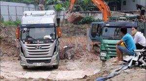 """Bắc Ninh: Nhiều DN lợi dụng """"dự án"""" để đào đất sét đem bán"""