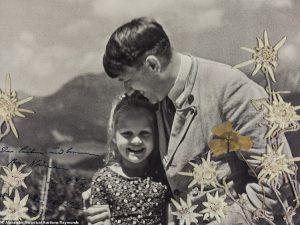 Bí mật sau bức ảnh sốc chưa từng thấy của trùm phát xít Hitler