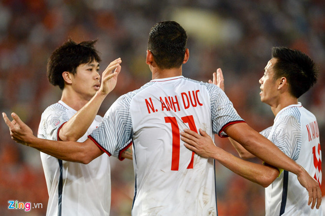 Ngày đầu ra quân AFF Cup 2018, Việt Nam dễ dàng vượt qua Lào