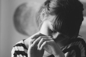 Cuộc đời chằng chịt vết thương lòng của cô gái mồ côi
