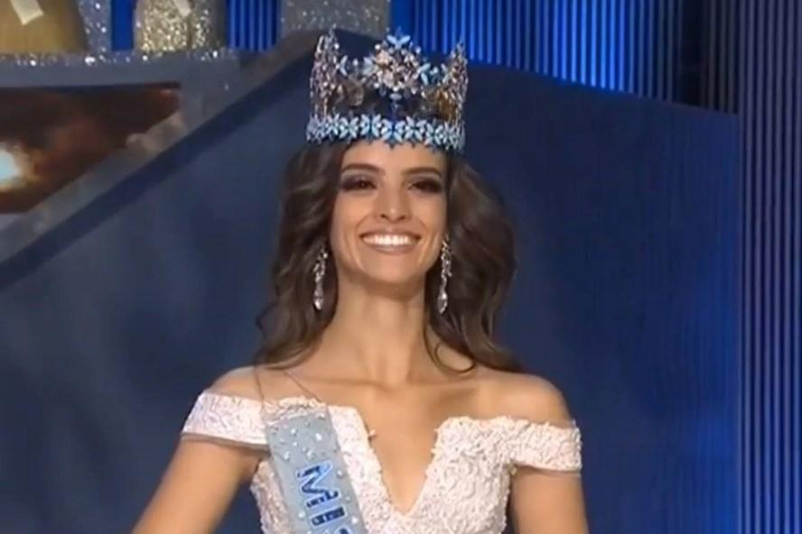Cận cảnh vẻ đẹp sắc sảo của tân Hoa hậu Thế giới 2018
