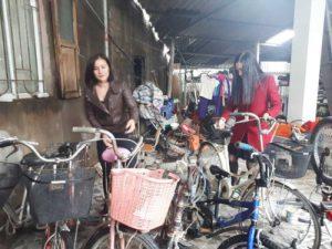 Tìm xe đạp cũ trên Facebook tặng học sinh nghèo