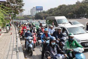 Giao thông Hà Nội ngày áp Tết: Tắc vẫn hoàn tắc